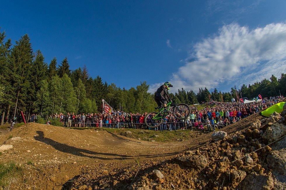 Finále závodu světové série horských kol ve fourcrossu, JBC 4X Revelations, proběhlo 15. července v bikeparku v Jablonci nad Nisou. Na snímku je Felix Beckeman.
