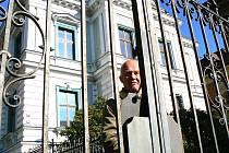 Na detašovaném pracovišti jabloneckého Okresního soudu v Liberecké 902, kam se přesune do konce listopadu opatrovnické a výkonné oddělení včetně exekutorů, bude na půl úvazku vypomáhat Václav Vele.