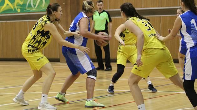 Poslední zápas letošního ročníku hráčkám TJ Bižuterie nevyšel. Potvrdil, že soupeřky v I. basketbalové lize žen je potřeba respektovat.