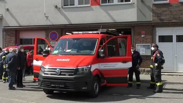 Pasečtí dobrovolní hasiči mají nový vůz