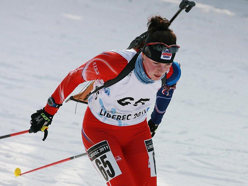 EYOWF 2011. Biatlon - dívky individuálně 10 kilometrů se jel v úterý v jabloneckých Břízkách. Veronika Havlová (65) doběhla na 29. místě.