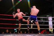 Galavečer bojových sportů, Iron Night Fight 3, proběhl 22. února v městské hale v Jablonci nad Nisou. Na snímku je Denys Klust (vpravo) a Zdeněk Pavel v kategorii K1 do 63,5 kilogramů.