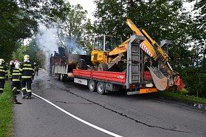 Požár nákladního automobilu Tatra 815 s přívěsem