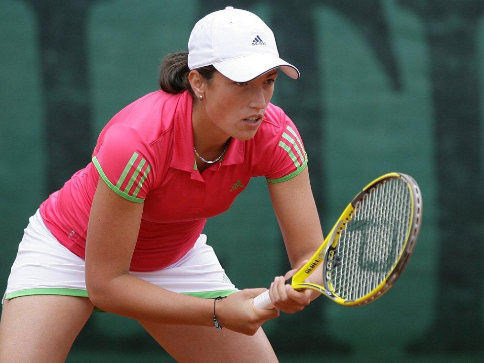 Mezinárodní tenisový turnaj žen Jablonec Cup 2012 vstoupil do hlavní soutěže. Na snímku Petra Krejsová z České republiky.