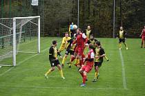 Pro Lučany (černé) se tentokrát zápas v Albrechticích vyvíjel černě. Body nezískaly. Foto: Josef Březina