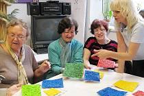 Další ročník Setkávání s barvami zahájili v úterý 4. května v Centru pro zdravotně postižené Libereckého kraje. Účastníci se budou pravidelně setkávat ve Spolkovém domě, kde centrum sídlí.