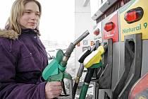 Ceny pohonných hmot zase rostou