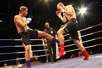 Petr Kareš (vlevo) bude v sobotu bojovat o titul mistra světa.