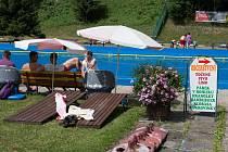Na koupališti v Železném Brodě