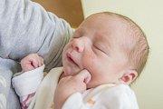AMÁLIE SMILOVÁ se narodila v sobotu 8. dubna mamince Monice Vašákové z Plavů. Měřila 43 cm a vážila 2,70 kg.