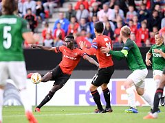 Gólová paráda Sarra z Rennes v utkání proti Jablonci.