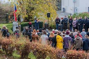 Generála Mrázka, 17. listopadu, památník, uctění památky