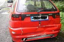 Do Seatu Ibiza zezadu narazil řidič Fiatu Scudo, který nedodržel bezpečnou vzdálenost mezi vozidly