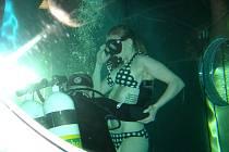 Přesně 7. dubna 2013 se na dno zanořilo 88 potápěčů a mezi nimi i organizátor rekordů Instruktor potápění jablonecký Jaroslav Kočárek ze společnosti Snakesub s.r.o.