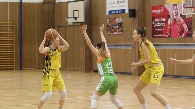 Úspěšný basketbalový víkend mají za sebou dorostenky a ženy TJ Bižuterie. U17 a U19 postupují do baráže.