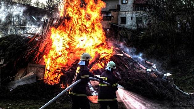 Sbor dobrovolných hasičů Jablonecké Paseky. Čarodějnice.