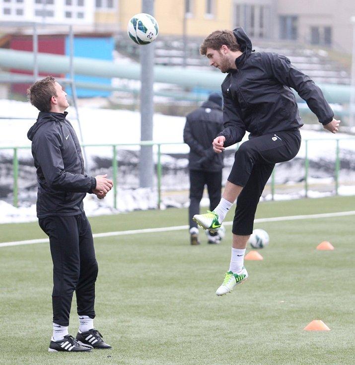 Fotbalisté Jablonce zahájili ve středu zimní přípravu. Na snímku Jan Kopic a Marek Kysela (vpravo) při tréninku.