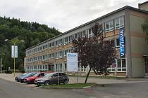 Bývalá administrativní budova podniku Železnobrodské sklo, dnes zrekonstruovaná slouží k výrobě společnosti Detesk.