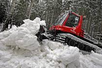Sněhová rolba. Ilustrační snímek.