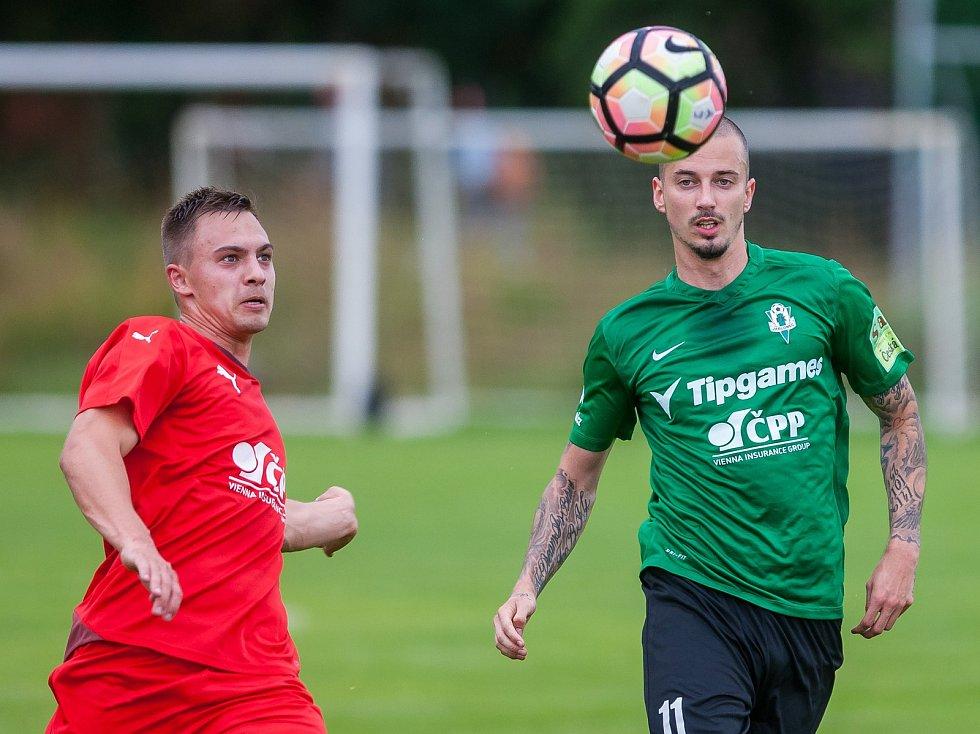 Přátelské fotbalové utkání mezi týmy FK Jablonec a FK Jiskra Mšeno se odehrálo 12. července v Rychnově u Jablonce nad Nisou. Na snímku vpravo Adam Kučera.