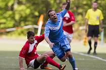 Fotbalisté Desné v modrém