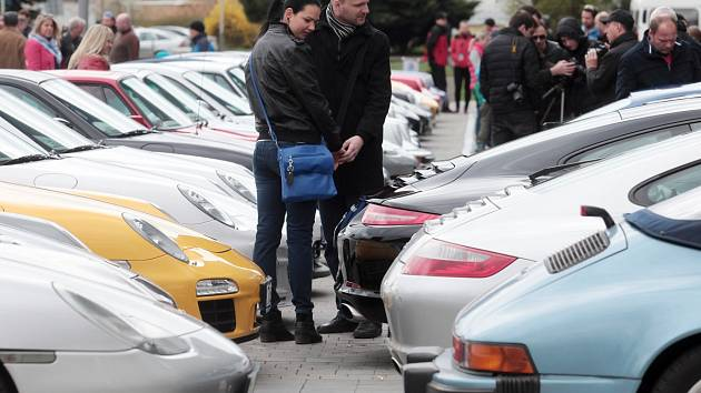 Značka Porsche narostla do obřích rozměrů