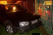 Řidič Volkswagenu Golf havaroval pod vlivem alkoholu.