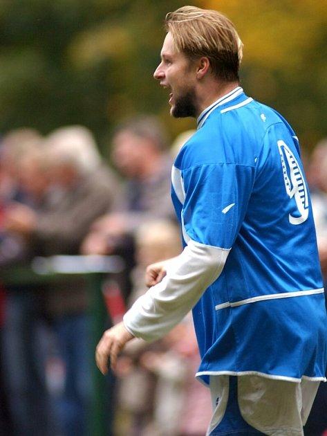 Karel Vokál se raduje ze vstřeleného gólu.