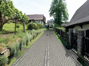 Srovnávací fotografie ulic v památkové městské rezervaci Trávníky v Železném Brodě.