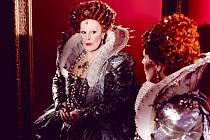 Špičková sopranistka Sondra Radvanovsky jako Alžběta I. v Donizettiho opeře Roberto Devereux zakončující slavnou tudorovskou trilogii.