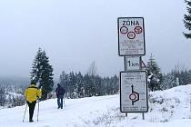 Silnice kolem přehrady Souš, spojnice se Smědavou se na zimu pro dopravu uzavírá.