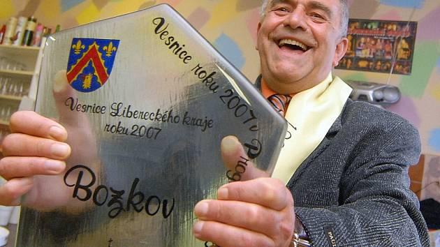 UŽ PODRUHÉ. Starosta Stanislav Doubek si roli vítěze zopakoval po deseti letech.