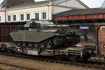 Tank Centurion, ráže 105 mm, na libereckém nádraží