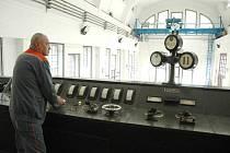 Vodní elektrárna ve Spálově.