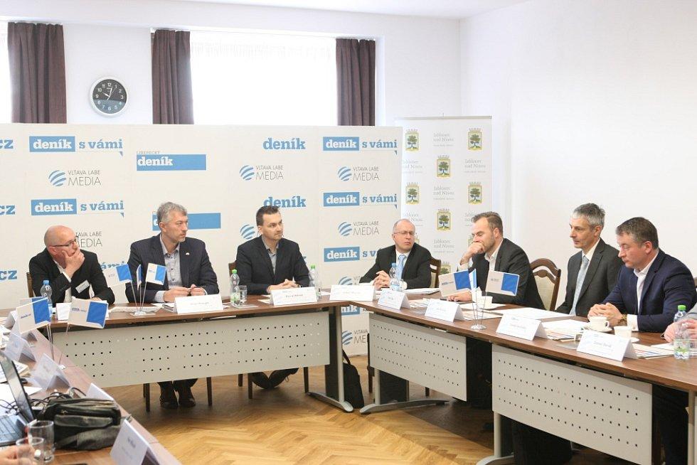 Deník upořádal Setkání s primátorem Jablonce nad Nisou Milanem Kroupou. Diskutovalo se na téma doprava a prodloužení tramvajové tratě.