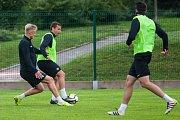 Trénink mužstva FK Jablonec pořádaný v rámci mediálního dne před zahájením sezony proběhl 25. července v Jablonci nad Nisou. Na snímku zleva Jaroslav Zelený a Nikola Janković.
