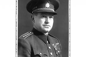 Alois Liška se narodil dne 20. listopadu 1895 v Záborčí u Malé Skály.