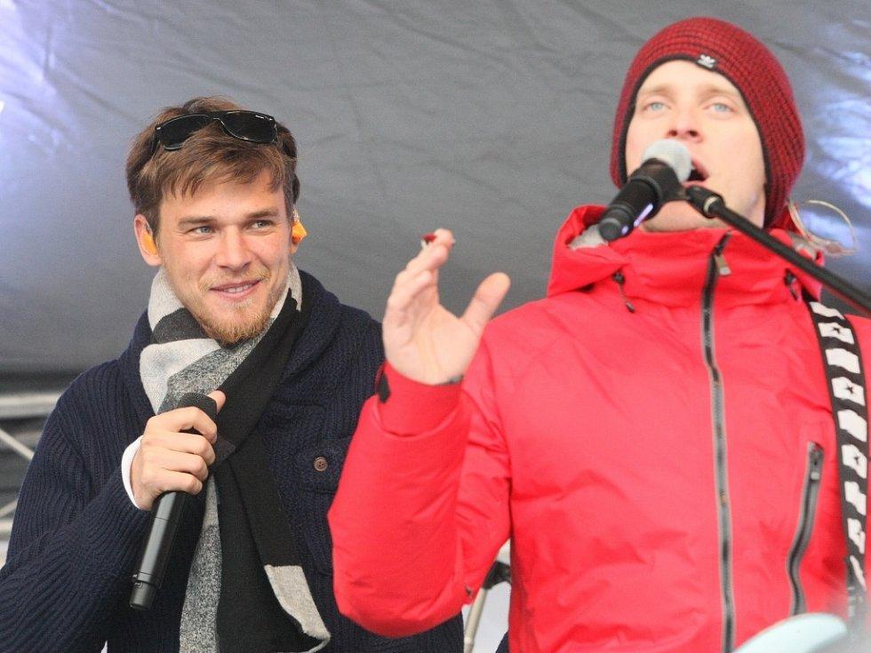 V lyžařském areálu Severák v Hraběticích v Jizerských horách se v neděli konala akce ŠKODA park. Koncertovala tu kapela Nightwork.