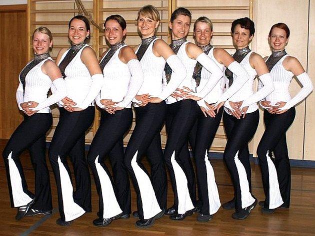 Tým žen ze Zlaté Olešnice sestavil aerobicové vystoupení, se kterým se poprvé představily na veřejnosti v sobotu v olešnické sokolovně při Odpoledni s aerobikem.
