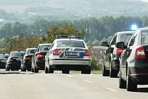 Ilustrační snímek, kolona vozů s prezidentem Milošem Zemanem
