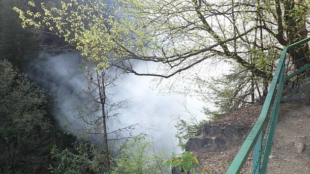 Požár na Riegrově stezce.