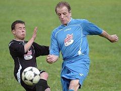 Utkání Okresného přeboru Jablonecka mezi prvním a posledním týmem – Harrachov vs Rádlo.