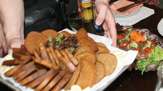 Tatarský biftek.
