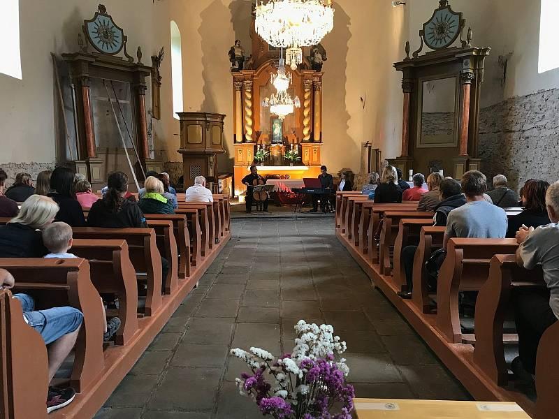 Oléfest podruhé. Letošní ročník alternativního festivalu nabídne ohlédnutí za obdobím, kdy ve Zlaté Olešnici žilo německé obyvatelstvo.