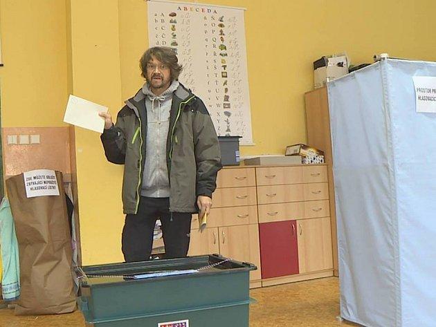 VJablonci odvolil ičeský zpěvák Dan Bárta.