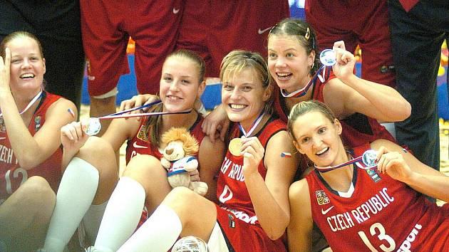 Mistrovské medaile pro ženské basketbalistky razili v Jablonci.