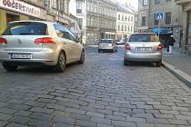 Dlážděná ulice v Turnově