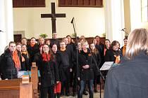 Generace Gospel Choir pracuje pod vedením Petra Činčaly v Centru Generace Liberec a Jablonec.