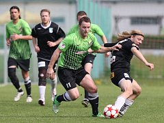 Fotbalisté Krásné Studánky (v zeleném) porazili Hodkovice 4:0. Díky prohře Pěnčína jsou v čele tabulky I. B třídy.