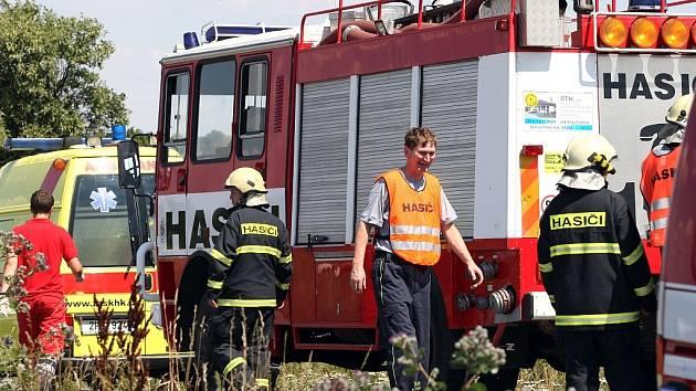 Na místě zasahovali hasiči a záchranná služba. Ilustrační snímek.
